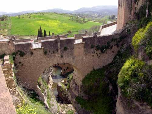 Puente viejo die alte brücke eine der 3 brücken durch die schlucht