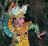 Bali - Legong Taenzerin in Ubud