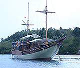 Segeln in Komodo on Phinisi Boot